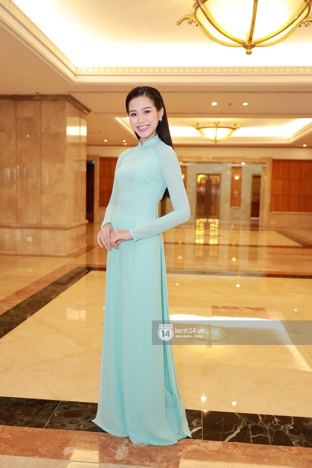 """""""Camera thường"""" chấm điểm loạt Hoa hậu tại event: Lương Thuỳ Linh ốm đi trông thấy, Đỗ Mỹ Linh nền nã lấn át cả đàn em - Ảnh 9."""