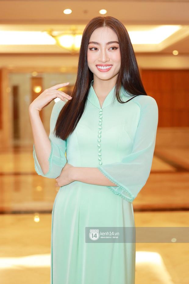 """""""Camera thường"""" chấm điểm loạt Hoa hậu tại event: Lương Thuỳ Linh ốm đi trông thấy, Đỗ Mỹ Linh nền nã lấn át cả đàn em - Ảnh 11."""