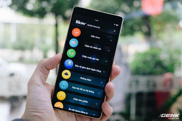 Cận cảnh Bphone B60: Smartphone bị BKAV khai tử tại Việt Nam để xuất sang châu Âu phục vụ các yếu nhân - Ảnh 16.