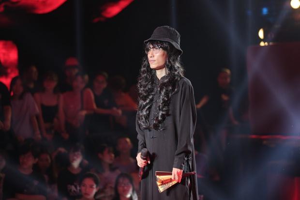 """Rũ bỏ mái tóc dài thượt, Chị Cả hóa """"Anh Cả"""" khi đi casting Rap Việt mùa 2 - Ảnh 5."""
