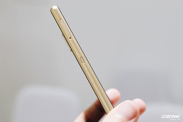 Cận cảnh Bphone B60: Smartphone bị BKAV khai tử tại Việt Nam để xuất sang châu Âu phục vụ các yếu nhân - Ảnh 8.