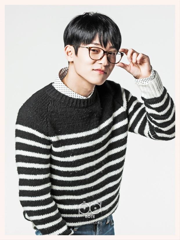 Sắp chạm đến đỉnh vinh quang của sự nghiệp lại đột ngột từ giã ngành giải trí, 5 idol Kpop khiến fan tiếc nuối - Ảnh 8.