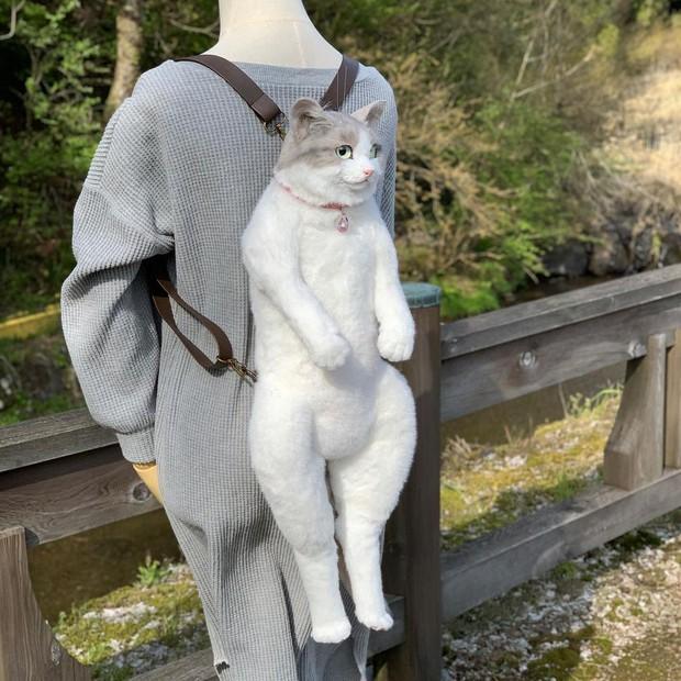 Balo mèo gây lú phá đảo trái tim netizen Nhật, giống thật tới nỗi hội chị em nhìn qua đã muốn xuống tiền mua luôn - Ảnh 5.