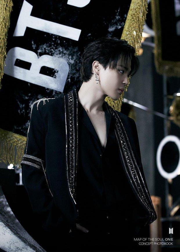 BTS tung một lúc 2 bộ ảnh concept vừa cool ngầu ma mị vừa trong veo, visual cận mặt đẹp ná thở - Ảnh 8.