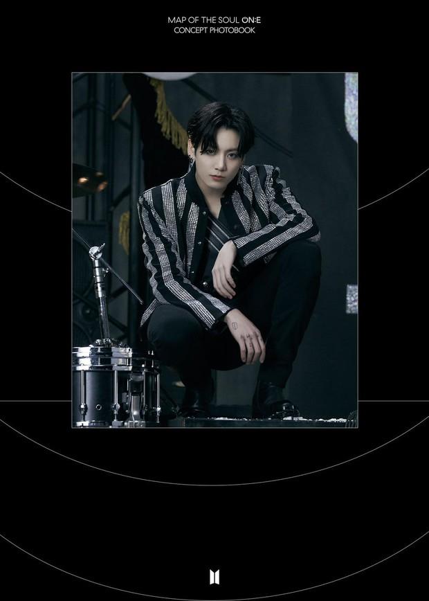 BTS tung một lúc 2 bộ ảnh concept vừa cool ngầu ma mị vừa trong veo, visual cận mặt đẹp ná thở - Ảnh 15.