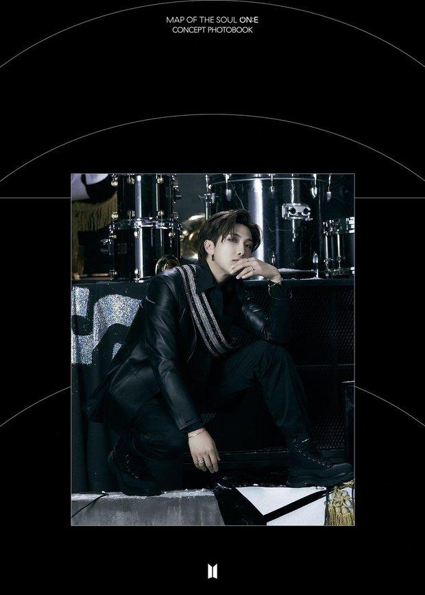 BTS tung một lúc 2 bộ ảnh concept vừa cool ngầu ma mị vừa trong veo, visual cận mặt đẹp ná thở - Ảnh 12.