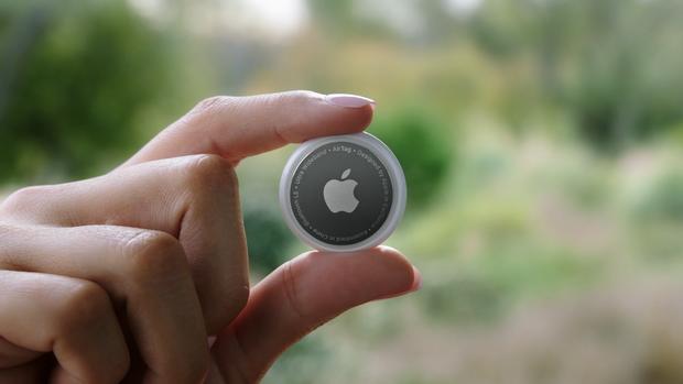 Dạo quanh xem báo giá sản phẩm Apple vừa ra mắt đêm qua tại Việt Nam: AirTag chỉ từ 790 nghìn đồng, có hàng từ giữa tháng 6 - Ảnh 2.