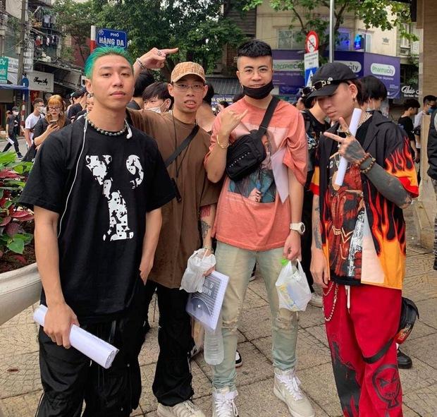 Dàn thí sinh Rap Việt mùa 1 tại casting Rap Việt miền Bắc: Kẻ đến tranh tài, người đi cổ vũ hội anh em - Ảnh 2.
