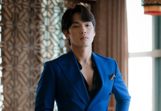 8 nam thần cưa sừng làm nghé ngọt nhất phim Hàn: Nhìn tuổi anh chú Hwang In Yeop với Kim Bum mà sốc xỉu! - Ảnh 13.