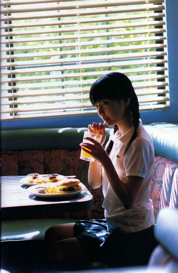 Chỉ vì nghiện đồ uống có đường, nhiều người trẻ tự đẩy mình đến gần tiểu đường, sỏi thận, loãng xương, tim mạch - Ảnh 2.