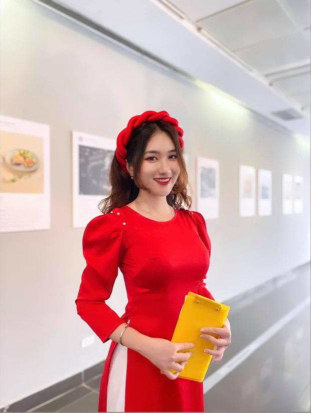 Chiêm ngưỡng nhan sắc rạng ngời của Linh Nắng - Nữ MC giải đấu VALORANT đang khiến cộng đồng ráo riết tìm info - Ảnh 2.