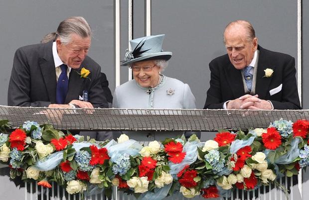 Đúng vào ngày tang lễ của chồng, Nữ hoàng Anh đón nhận thêm 1 tin buồn, tiết lộ mong ước của bà trong ngày sinh nhật - Ảnh 1.