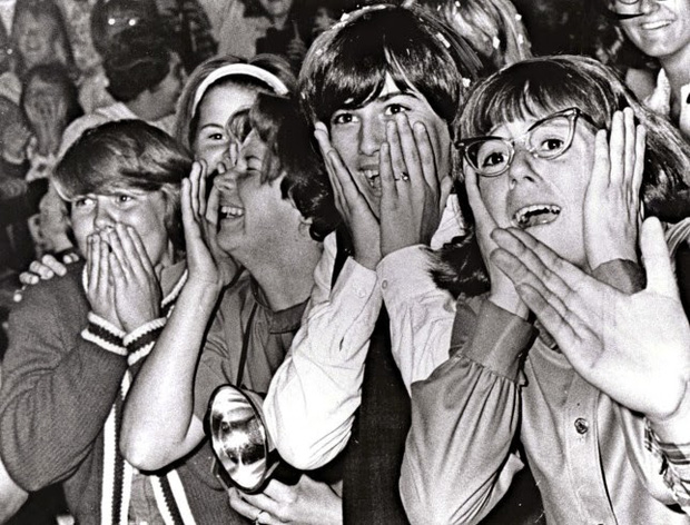 Hét thủng phổi là có thật: Buổi trình diễn của nhóm One Direction trước kia từng gây ra một thảm họa kinh hoàng - Ảnh 2.