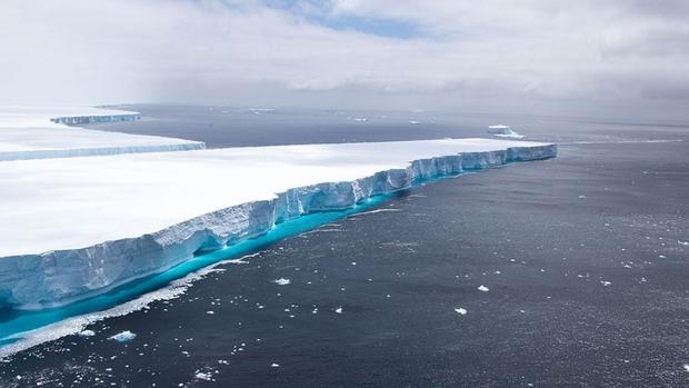 Núi băng trôi lớn nhất thế giới tan chảy, chính thức biến mất khỏi Trái đất - Ảnh 1.