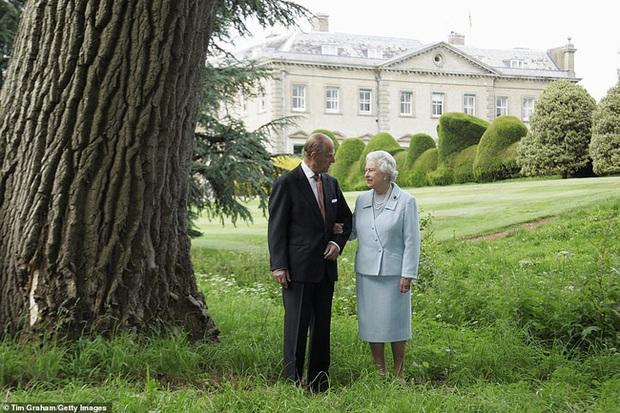 Trong ngày sinh nhật tuổi 95, Nữ hoàng Anh có động thái mới, cho thấy sự tinh tế và đẳng cấp cao sang của bà - Ảnh 2.