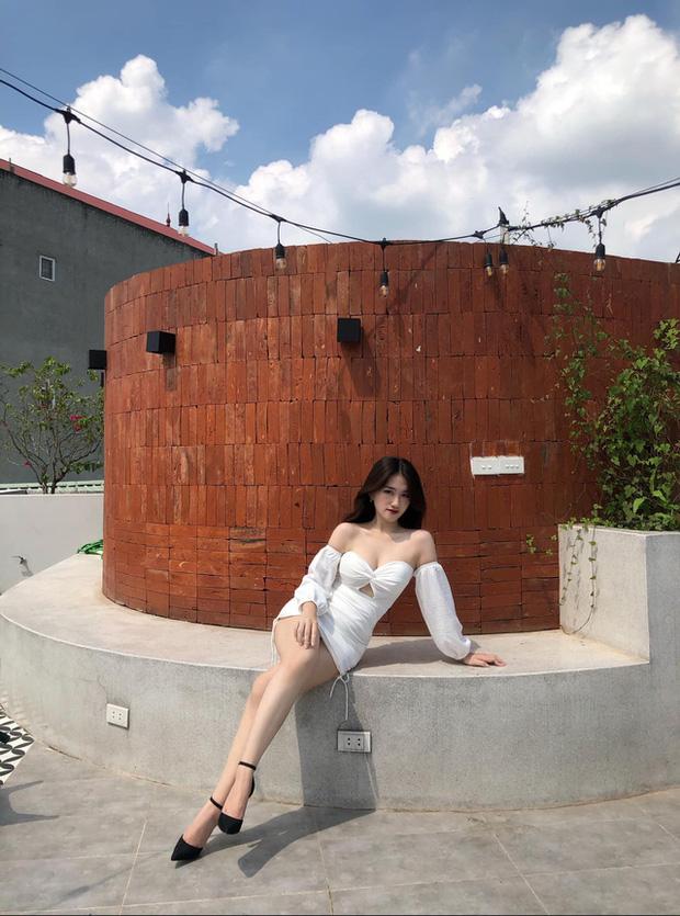 Chiêm ngưỡng nhan sắc rạng ngời của Linh Nắng - Nữ MC giải đấu VALORANT đang khiến cộng đồng ráo riết tìm info - Ảnh 8.