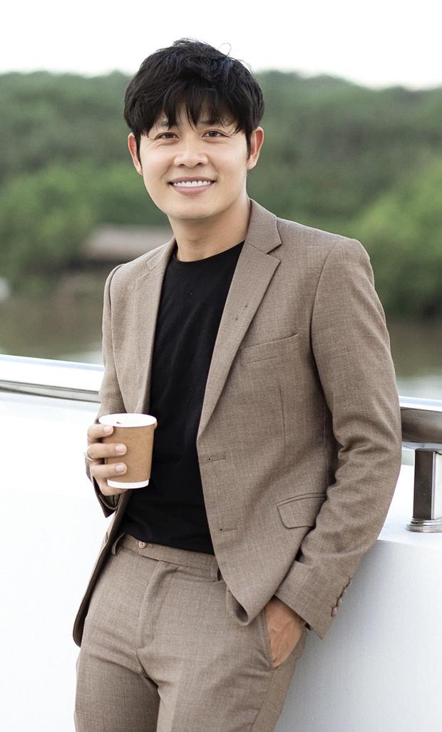 Nathan Lee cuối cùng cũng tiết lộ danh tính người được cho là tố Ngọc Trinh sống ảo chuyện mua đất - Ảnh 3.
