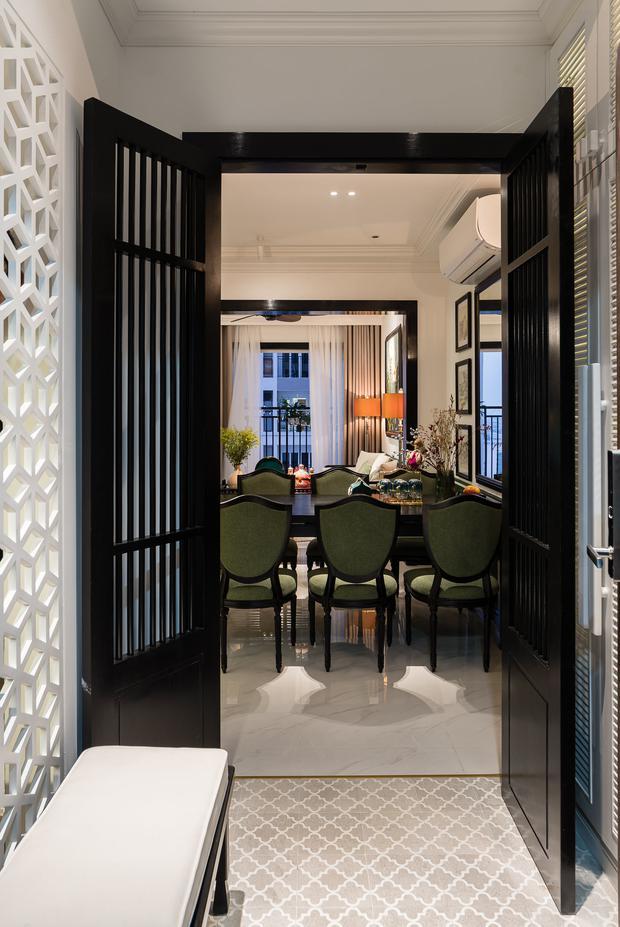 Ra ở riêng, vợ chồng 9x thiết kế căn hộ đậm chất Huế với chi phí hơn 1 tỷ đồng, KTS chia sẻ câu chuyện hiểu lầm suýt phải dừng thi công - Ảnh 1.
