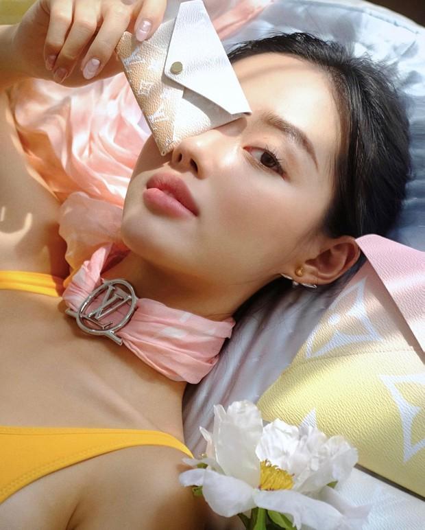 3 sản phẩm tẩy da chết xịn xò Khánh Linh khuyên dùng để da mướt rượt, lỗ chân lông nhỏ tin hin - Ảnh 1.