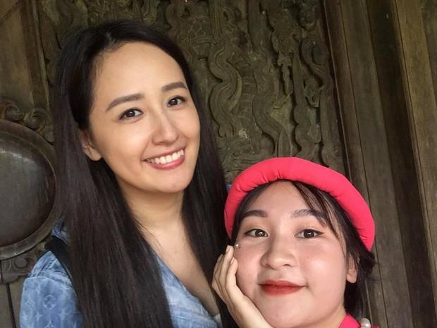 Lớp học may mắn nhất: Đang chụp ảnh kỷ yếu thì Mai Phương Thuý đi ngang qua và thế là có ảnh với hoa hậu - Ảnh 3.