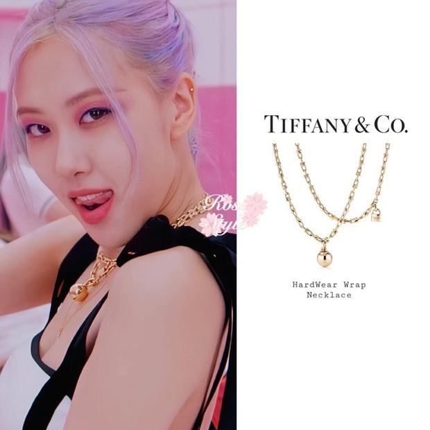 Muốn biết Rosé là đại sứ có tâm thế nào với Tiffany & Co, nhìn vào cổ của cô là biết ngay! - Ảnh 1.