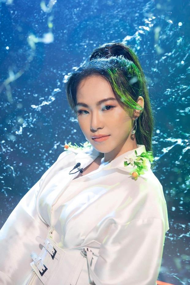 Bị khịa không hát được nhạc trẻ, Lương Bích Hữu cất giọng vài câu Sài Gòn Đau Lòng Quá ẵm luôn 5 triệu view trong 1 ngày - Ảnh 1.