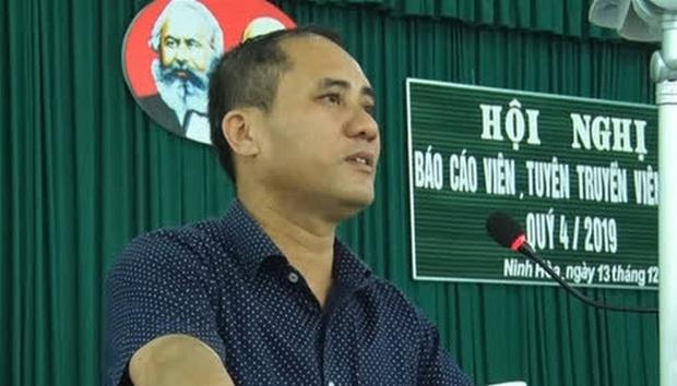 Xác định người đâm Bí thư phường ở Khánh Hòa là cán bộ công an - Ảnh 1.