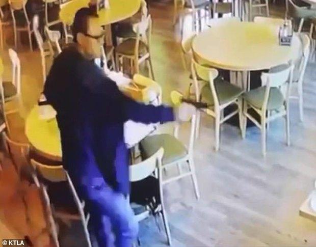 Vào nhà hàng ăn tối, đôi nam nữ gốc Á bị bắn chết tại chỗ, video ghi lại cảnh hiện trường gây ám ảnh - Ảnh 3.