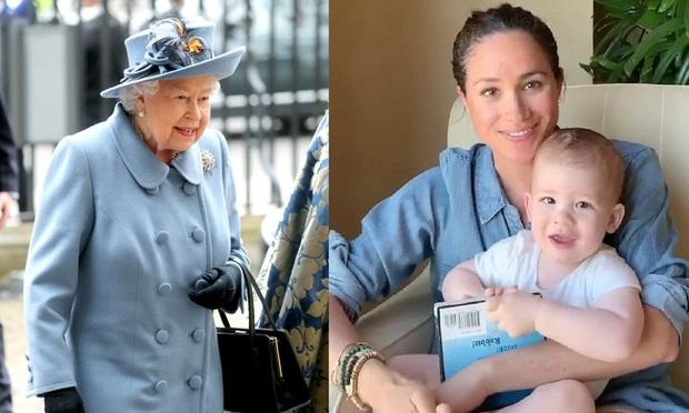 Đúng ngày sinh nhật Nữ hoàng Anh, Meghan Markle bất ngờ bị ném đá không thương tiếc vì hành động được cho là cố tình dàn dựng lộ liễu - Ảnh 1.