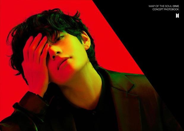 BTS tung bộ ảnh kiếp đỏ đen vừa xinh vừa biết thế nào là ảo, bắt nạt fan bằng visual quyến rũ - Ảnh 2.