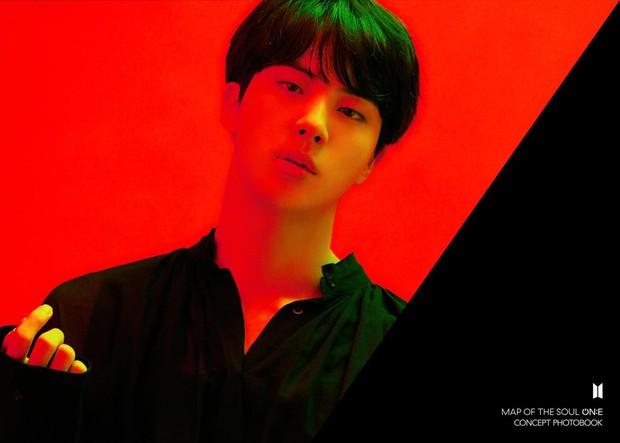 BTS tung bộ ảnh kiếp đỏ đen vừa xinh vừa biết thế nào là ảo, bắt nạt fan bằng visual quyến rũ - Ảnh 5.