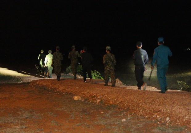 Trắng đêm phòng giặc COVID-19 ở biên giới Tây Nam - Ảnh 4.