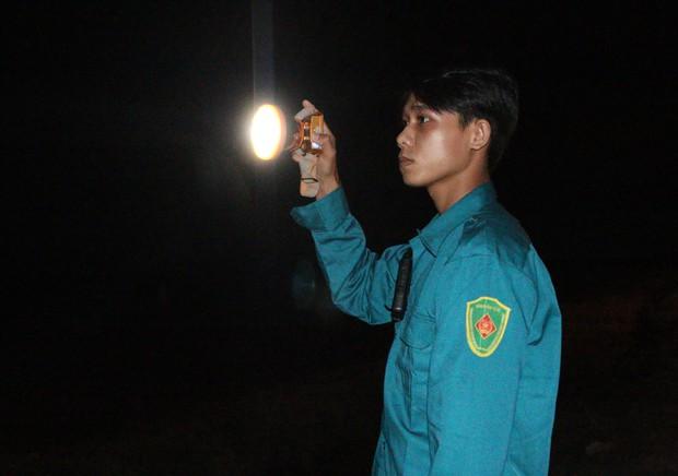 Trắng đêm phòng giặc COVID-19 ở biên giới Tây Nam - Ảnh 7.