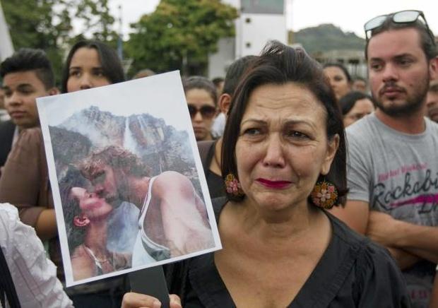 Chứng kiến cảnh cha mẹ bị giết chết, con gái nhỏ của Hoa hậu Venezuela may mắn sống sót có cuộc sống gây kinh ngạc sau 7 năm - Ảnh 7.