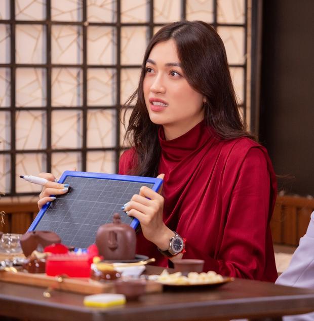 Khánh Vân được đàn chị dặn đề phòng vì có thể bị chơi xấu ở Miss Universe - Ảnh 4.