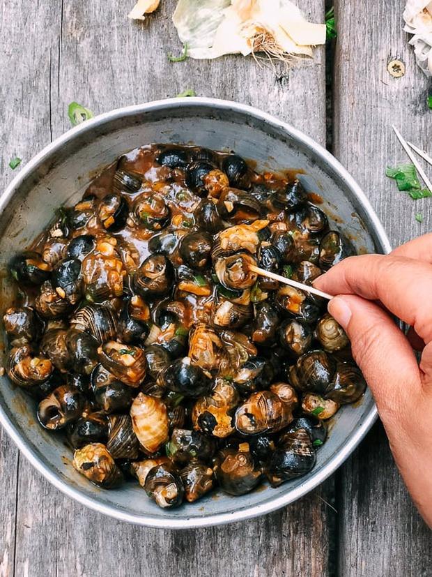 Ốc rất giàu chất dinh dưỡng nhưng có 4 loại thực phẩm tuyệt đối không ăn cùng kẻo rước họa vào thân - Ảnh 1.