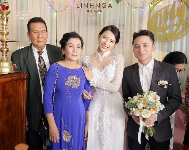 """Đám cưới Phan Mạnh Quỳnh và vợ hot girl tại Nha Trang: Cô dâu khoe vòng 1 hững hờ, """"cẩu lương"""" ngập trời trong ngày trọng đại - Ảnh 3."""