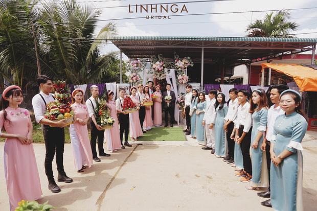 """Đám cưới Phan Mạnh Quỳnh và vợ hot girl tại Nha Trang: Cô dâu khoe vòng 1 hững hờ, """"cẩu lương"""" ngập trời trong ngày trọng đại - Ảnh 6."""