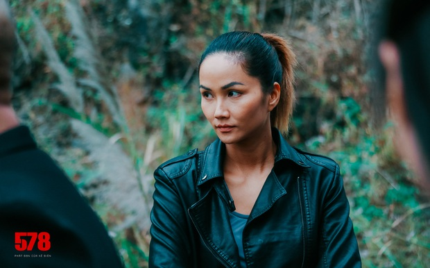 Đạo diễn Avengers: HHen Niê là diễn viên khiến tôi ngạc nhiên nhất! - Ảnh 4.