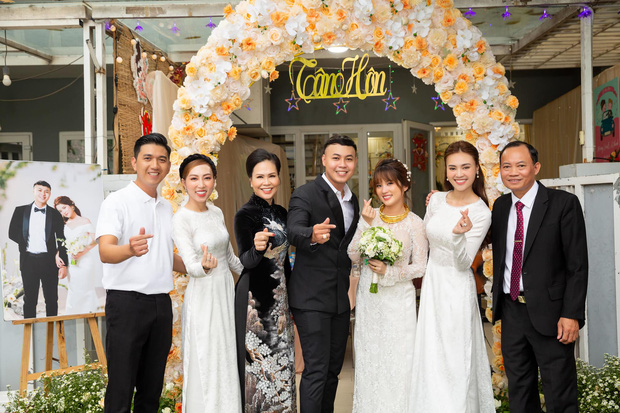Chị gái tâm lý số 1 gọi tên Lan Ngọc: Tặng bộ nhẫn đính toàn kim cương, dùng cả ekip riêng hỗ trợ em dâu trong đám cưới - Ảnh 5.