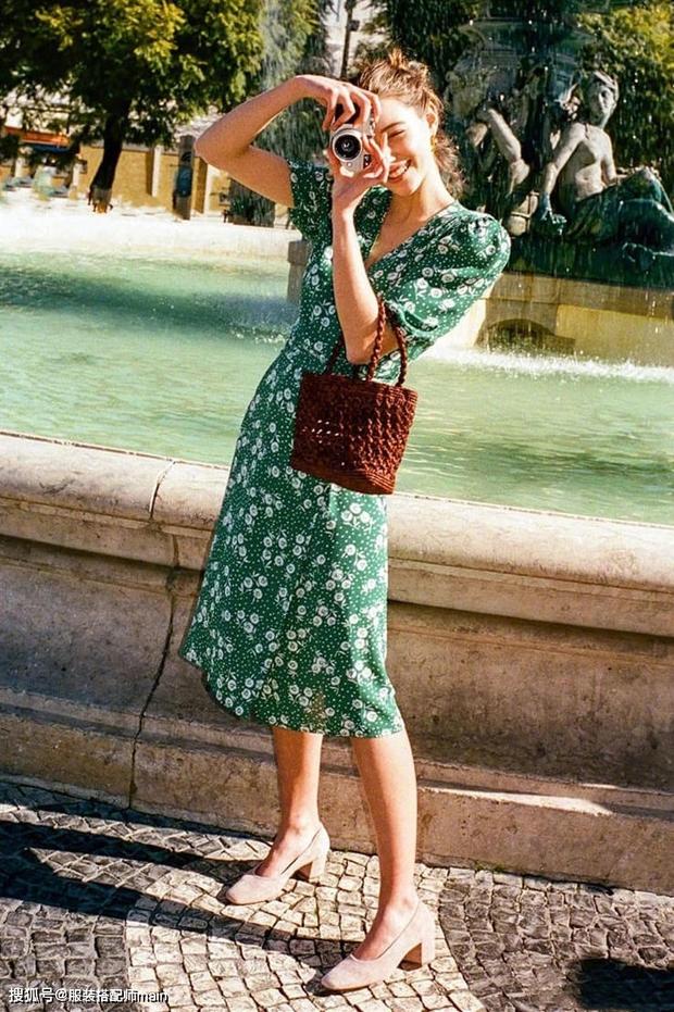 Váy quấn hack dáng vi diệu lắm, nhưng nếu không biết chiêu mặc đẹp này từ gái Pháp thì chưa 100% duyên dáng rồi! - Ảnh 6.