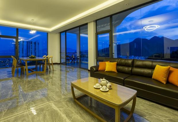 Con trai xây villa 310m2 cho gia đình 4 thế hệ, địa thế lưng tựa núi, mặt hướng biển đạt tiêu chuẩn vàng trong phong thuỷ - Ảnh 7.