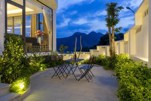 Con trai xây villa 310m2 cho gia đình 4 thế hệ, địa thế lưng tựa núi, mặt hướng biển đạt tiêu chuẩn vàng trong phong thuỷ - Ảnh 5.