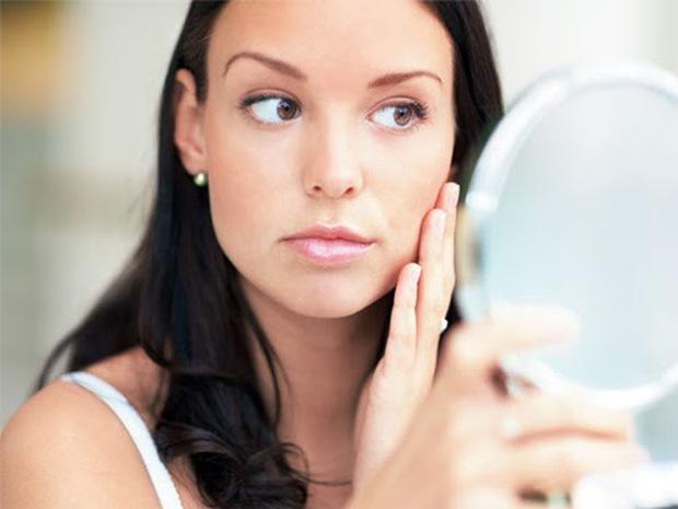 Tự kiểm tra ung thư gan bằng việc soi gương mỗi ngày: Nếu phát hiện 3 bất thường này trên da thì khả năng cao bạn đã mắc bệnh - Ảnh 2.