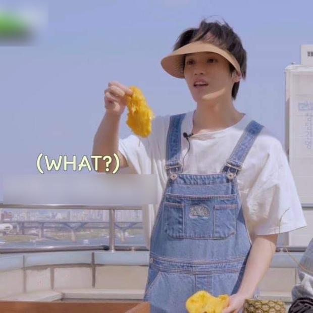 """Nam idol nhà SM """"gọt"""" xoài be bét khiến dân tình phát bực vì lãng phí, fan vào giải thích thì càng gây hoang mang hơn - Ảnh 3."""