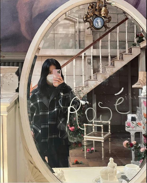 Khi biết Rosé sẽ solo với ca khúc On The Ground, phản ứng của các thành viên BLACKPINK như thế nào? - Ảnh 3.