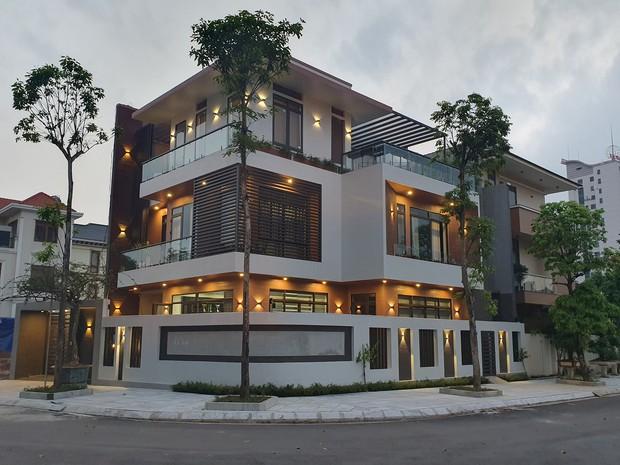 Sau 15 năm cưới, vợ chồng Thái Nguyên xây biệt thự 3 tầng hơn 3 tỷ, chia sẻ kinh nghiệm giảm chi phí thi công đáng học hỏi - Ảnh 1.