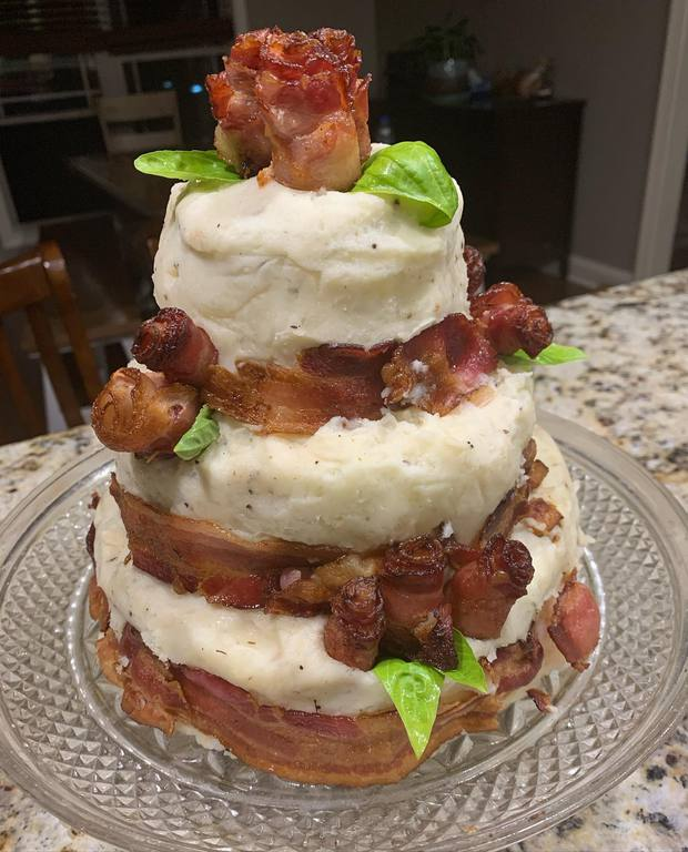 Bố làm bánh sinh nhật 100% thịt tươi cho con trai, dân mạng bảo ăn thế này thì đạm tiêu đâu cho hết? - Ảnh 3.