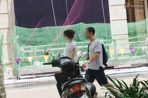 Ảnh: Người Sài Gòn vẫn chủ quan, không đeo khẩu trang nơi công cộng trước nguy cơ bùng dịch Covid-19 - Ảnh 11.