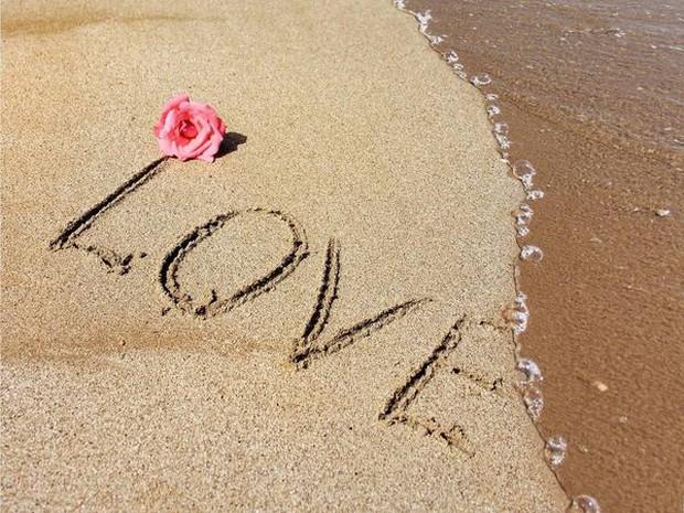 Thiều Bảo Trâm đăng một lèo 43 tấm ảnh Love ngay sau khi Sơn Tùng vừa thổ lộ yêu vào khổ lắm - Ảnh 2.